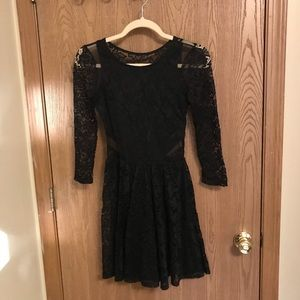 Abercrombie & Fitch black lace dress w/ cutouts